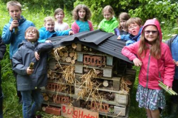 Youngsters team up for wildlife