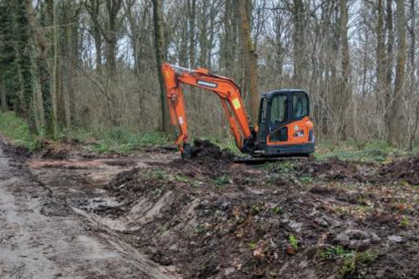 Diggers smooth the way at Queenswood